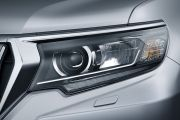 Headlamp Image of Land Cruiser Prado