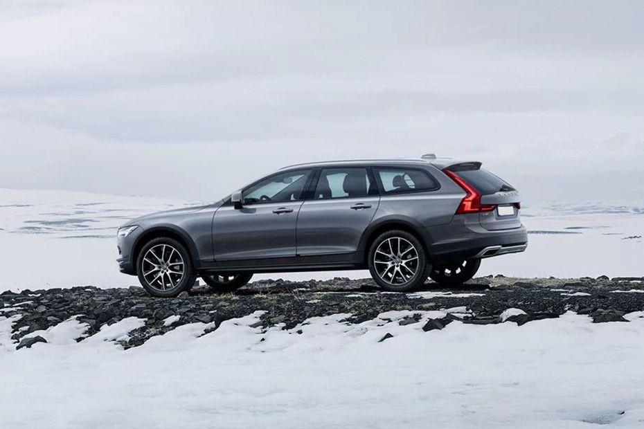 Photo of Volvo V90 Cross Country