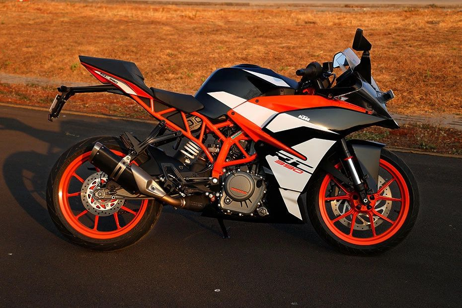 Right Side View of RC 390