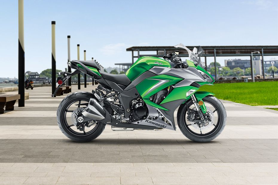 Right Side View of Ninja 1000