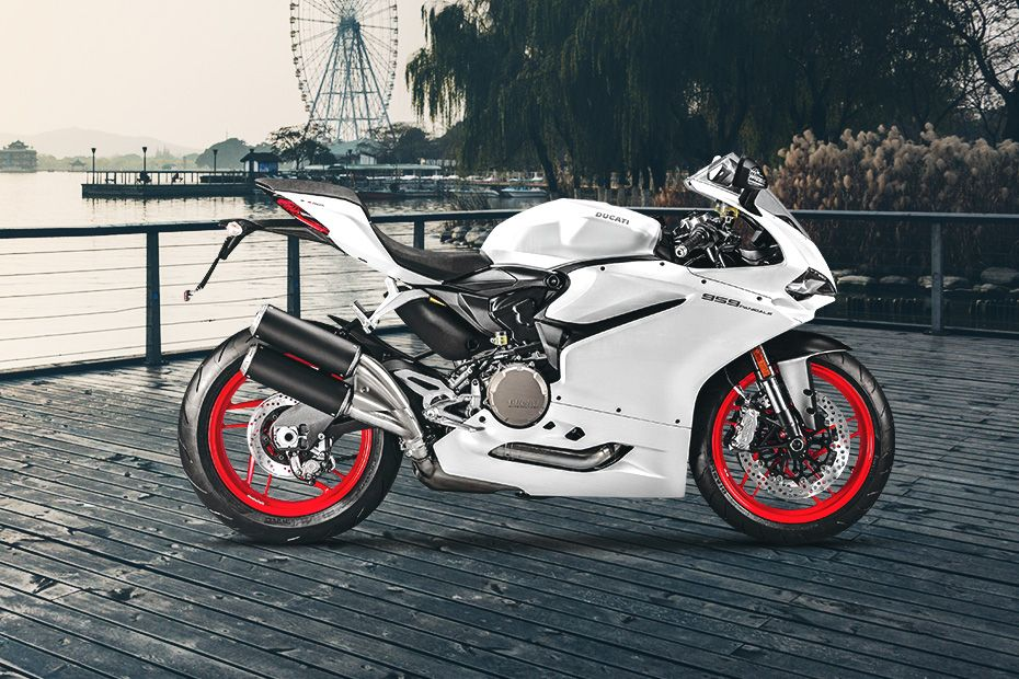 Right Side View of 959 Panigale