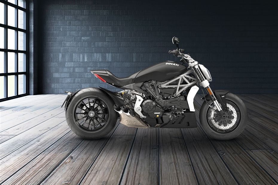 Right Side View of XDiavel