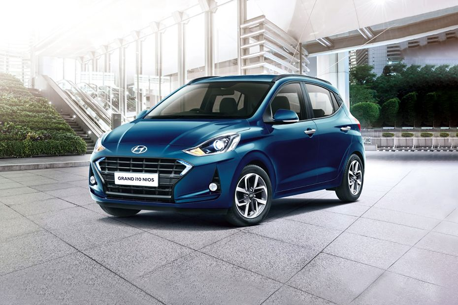 Front 1/4 left Image of Grand i10 Nios