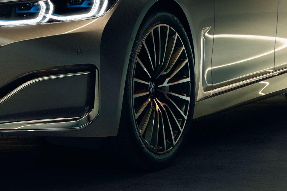 Photo of BMW 7 Series