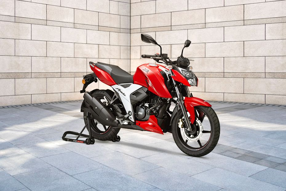Front Right View of Apache RTR 160 4V BS6