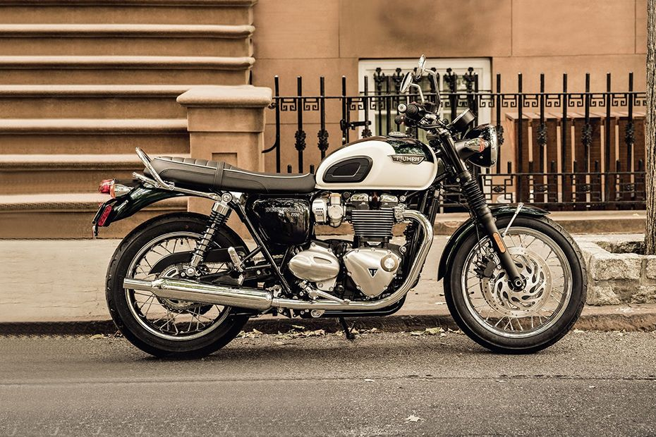 Right Side View of Bonneville T120