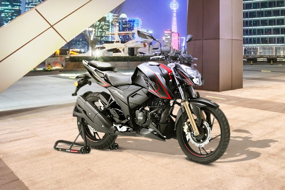 Front Right View of Apache RTR 200 4V