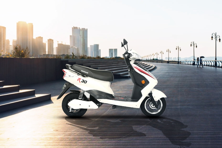 Right Side View of R30 electric scooter