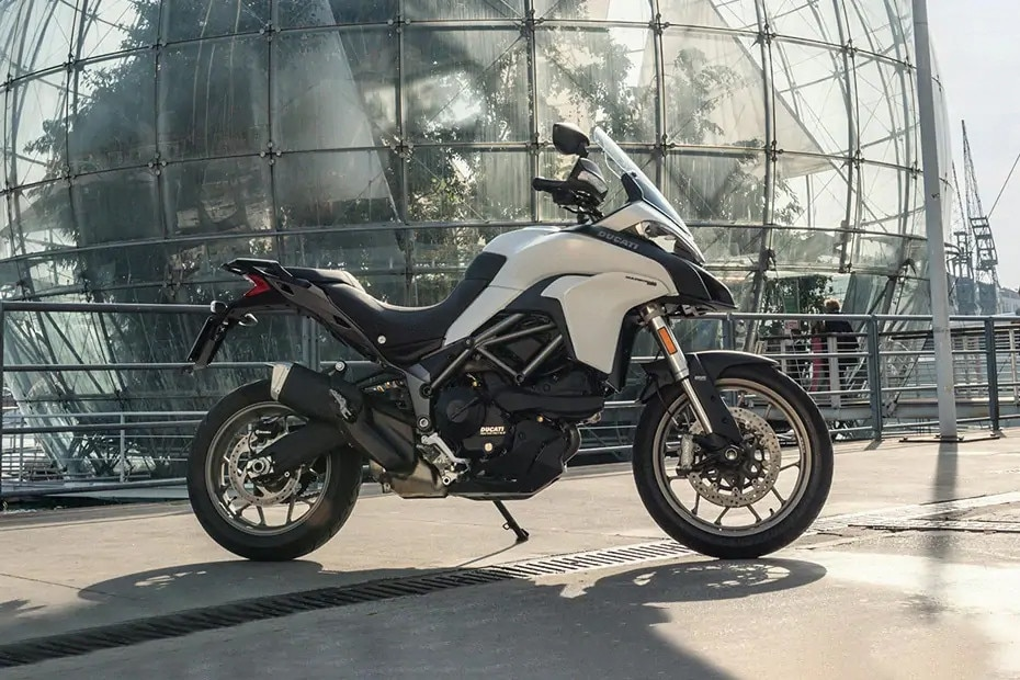 Right Side View of Multistrada 950