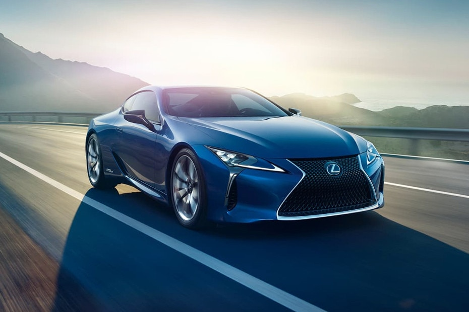 Front 1/4 left Image of LC 500h