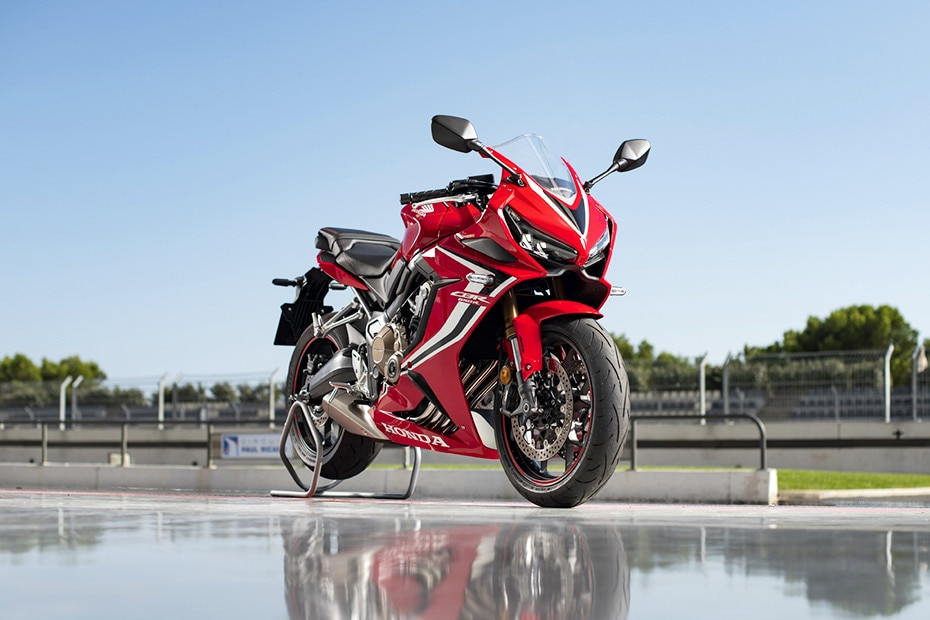 Front Right View of CBR650R