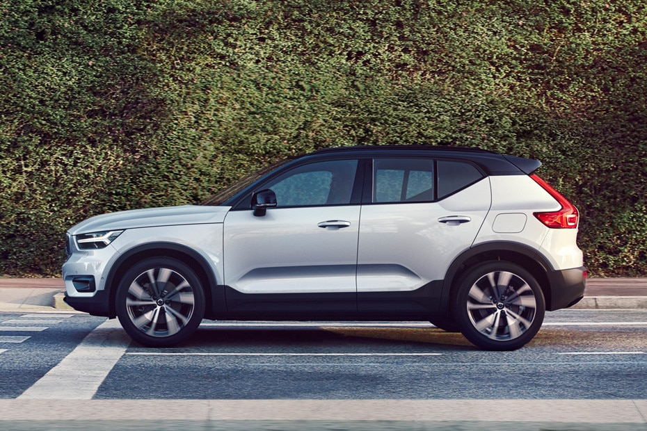 Side view Image of XC40 Recharge