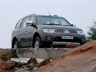 Mitsubishi Pajero Sport Price, Images, Mileage, Colours, Review in