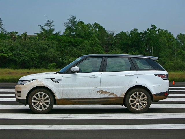 land rover range rover sport 3 0 v6 se price in india specification features zigwheels. Black Bedroom Furniture Sets. Home Design Ideas