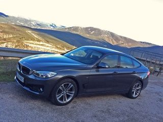 BMW Series Price Check March Offers Images Mileage Specs - 2014 bmw 330i