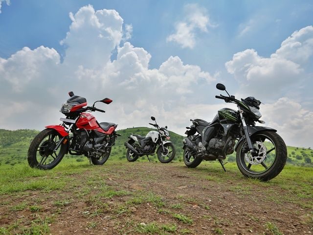 Yamaha FZ-S v2.0 vs Hero Xtreme vs Honda CB Trigger: Comparison Review Photo Gallery