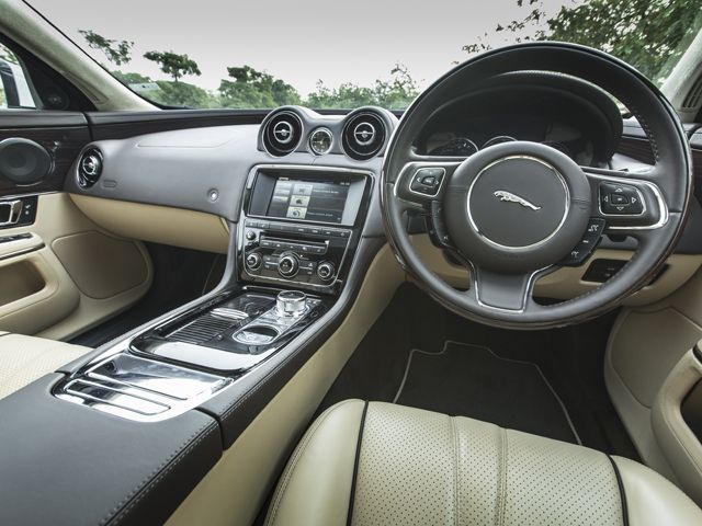 2015 Jaguar Xj 2 0 Litre Petrol Interior Photo Gallery