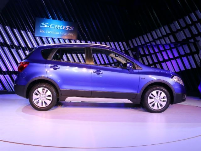 Maruti Suzuki S-Cross side shot