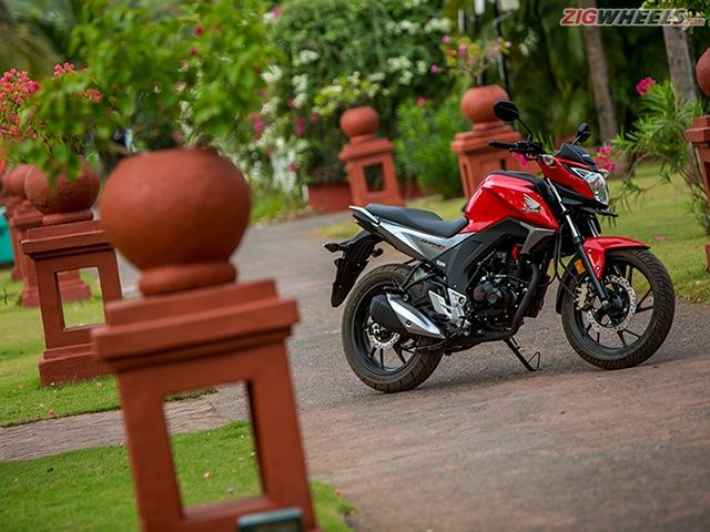 Honda CB Hornet 160R: Review Photo Gallery