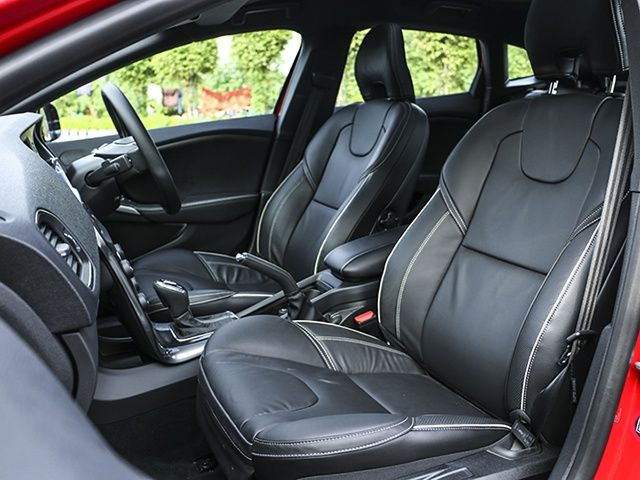 Volvo V40 interior review photo gallery @ ZigWheels