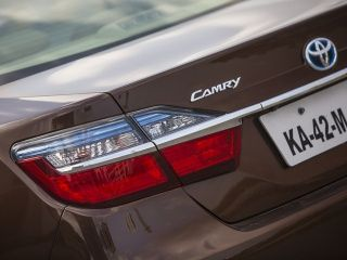 2015 Toyota Camry Hybrid Review Features Gallery