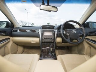 2015 Toyota Camry Hybrid Review Interior Gallery