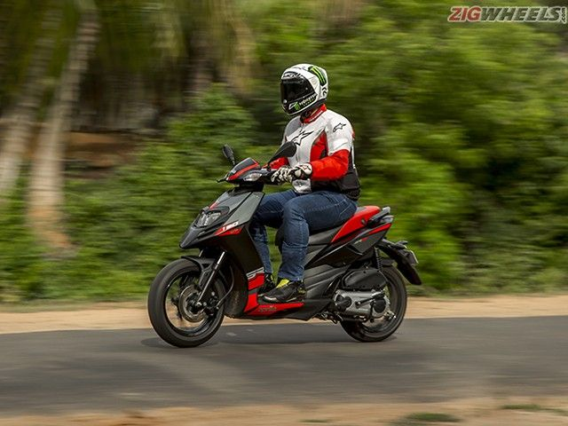 Aprilia SR150: Review Photo Gallery