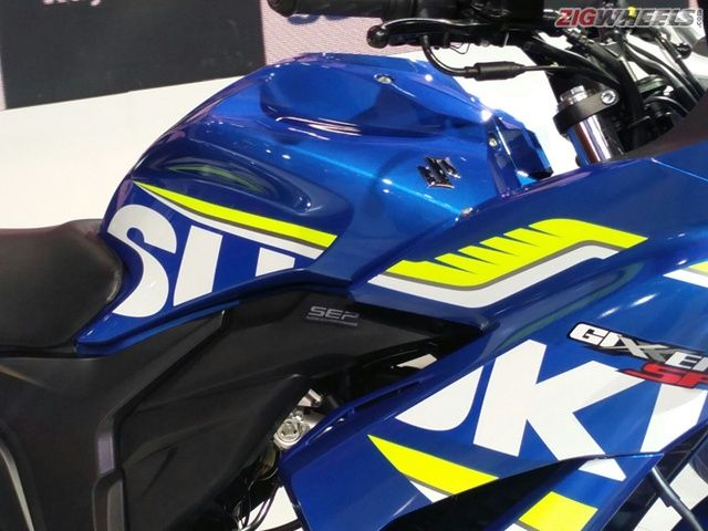 2016 Auto Expo: New Suzuki Gixxer SF FI Photo Gallery