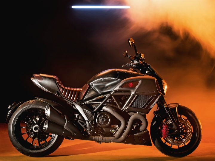 Ducati Diavel Price (Check August Offers), Images, Colours, Mileage ...