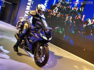 Yamaha R15 V3.0 In Pictures: Auto Expo 2018