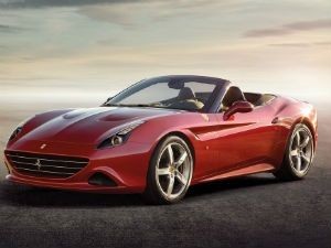 2015 Ferrari California T: Premiere video