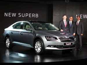 Skoda Superb Price Check January Offers Images Mileage Specs